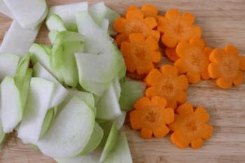 sơ chế su hào cà rốt