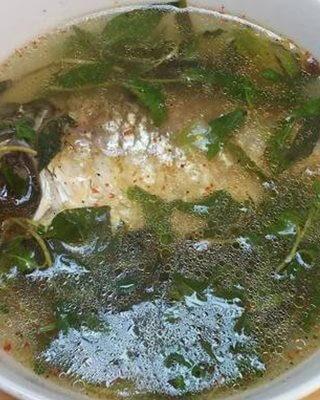 Cá diếc nấu rau răm