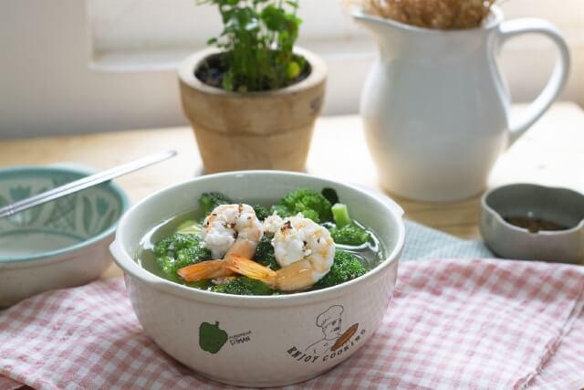 món canh súp lơ nấu tôm